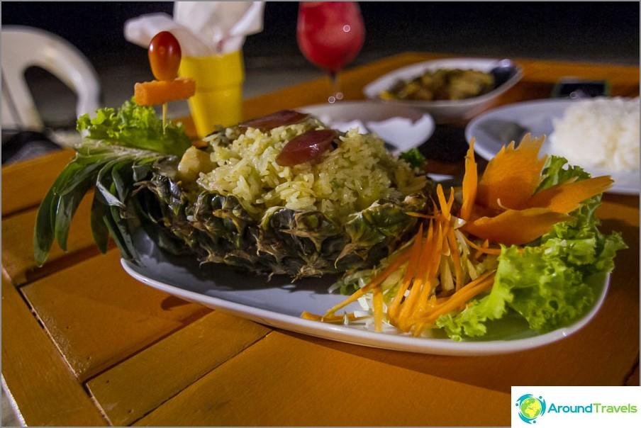 Riisi ananassa on hieno asia :)
