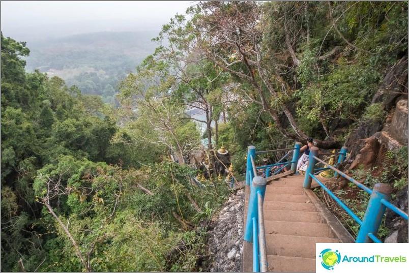 Kohti kiipeilyn keskustaa, alat rakastaa kaiteetta varovasti.