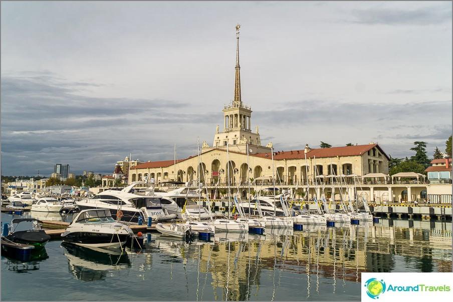 Морско пристанище в Сочи