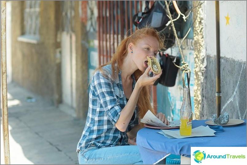 Шеболдасик и улична храна. Антисанитарни условия?