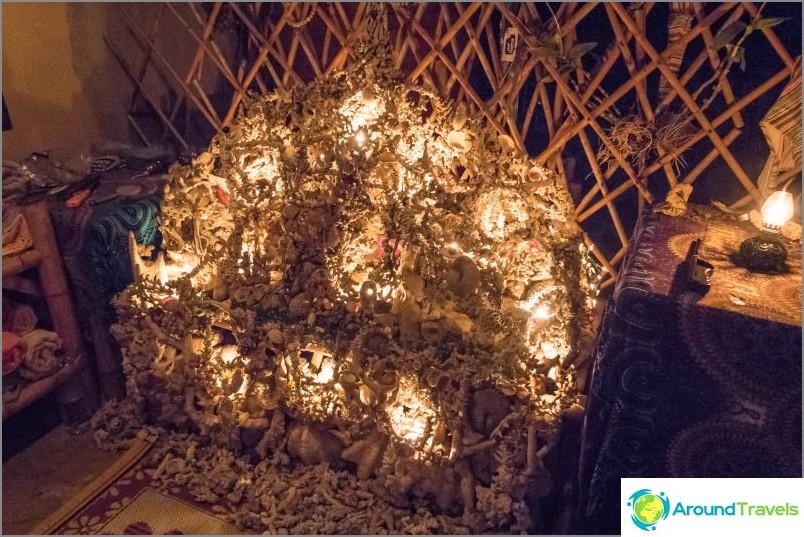 Dome Koh Phanganilla on yksi parhaimmista, joko kylpy tai sauna