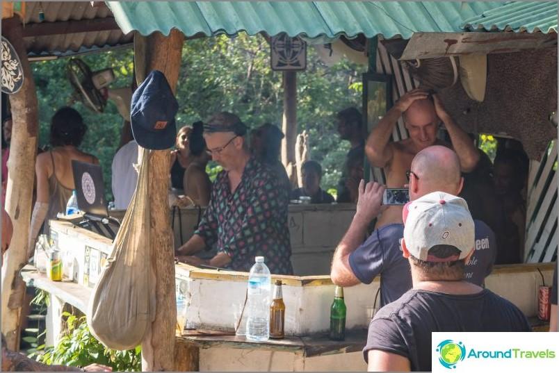 Guiz Bar Phanganissa ja Eden Bar - palvontapaikat juhliin