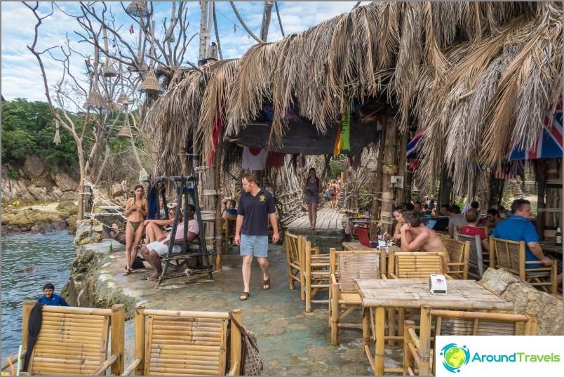 Koh Raham at Koh Phangan - aito ravintola, joka ei kuulu meren roskiin