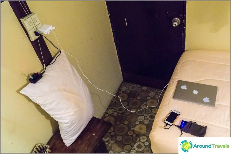 В хотели има такива гнезда, удължител ще ме спаси