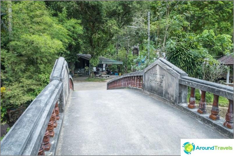 Phuket Kathun putoukset - hylätty maamerkki
