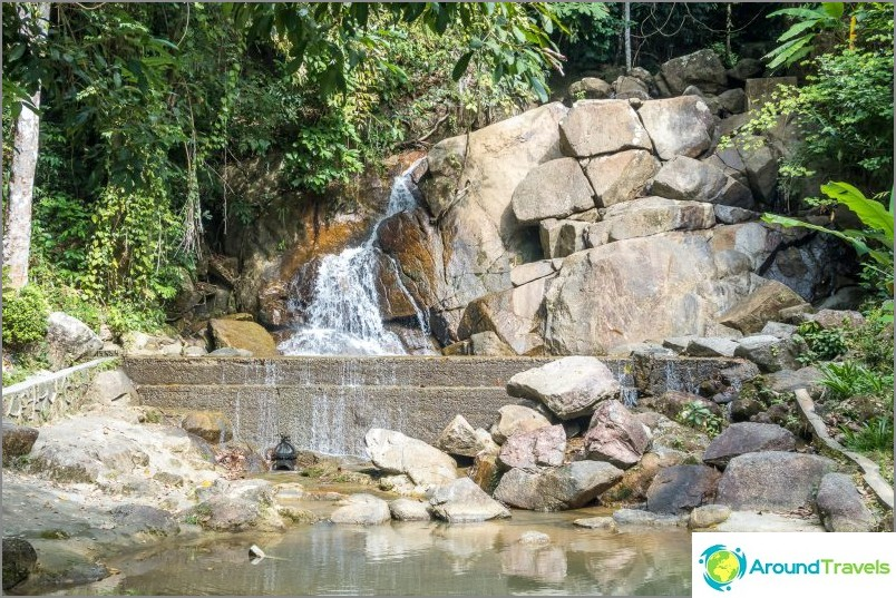 Kathun vesiputous Phuketissa