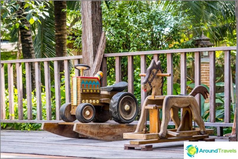 Дървени играчки от детството