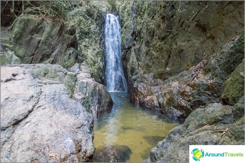 Bangpe-vesiputous Phuketissa