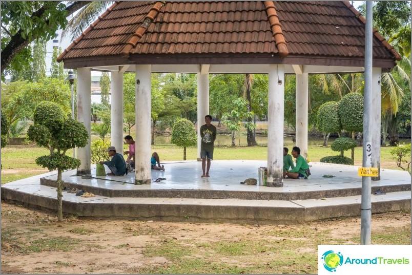 Royal Rama 9 Park Phuketissa