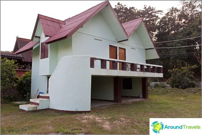 Talo 1500 bahtia varten Chiang Saenissa