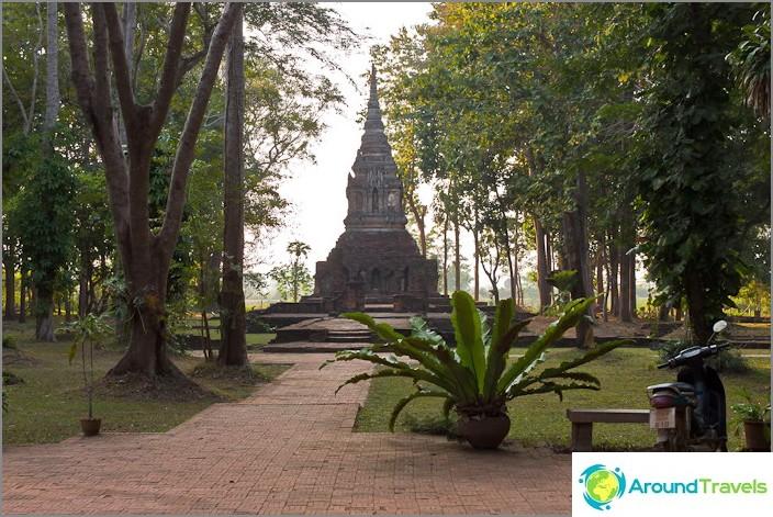 Muinainen Wat kaupungissa Chiang Saen Wat Pa Sak