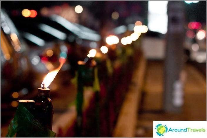 Kynttilät kaikkialla chiang maissa