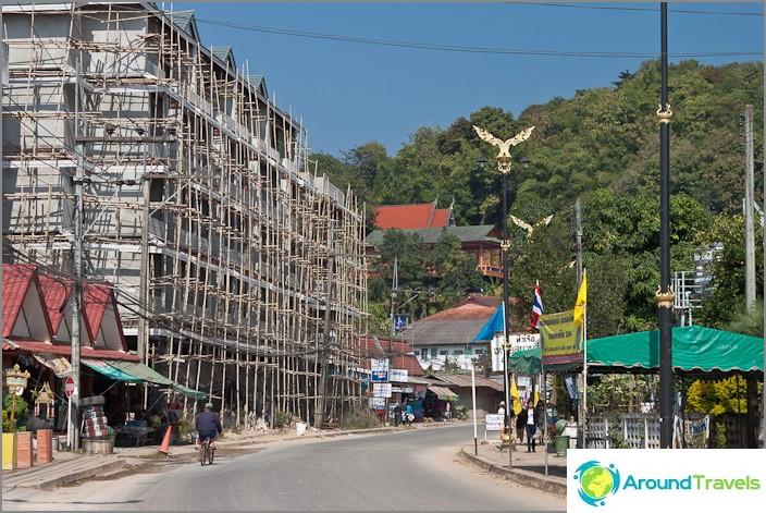 Matkalla Chiang Saenista kultaiseen kolmioon