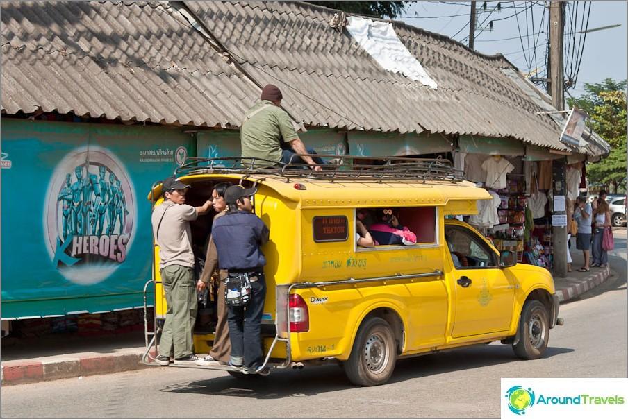 Pääset kultaiseen kolmioon ja minibussilla