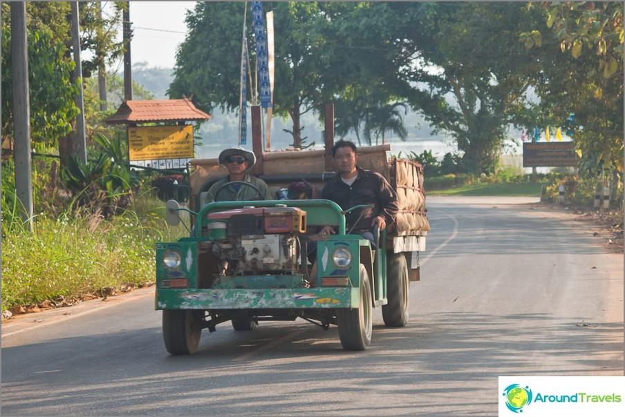 Kuljetus Chiang Saenissa