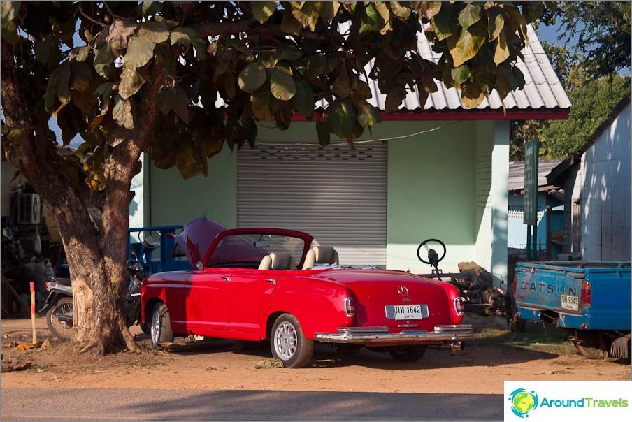Kenellä on sellainen punainen Mercedes-vaihtovelkakirja?
