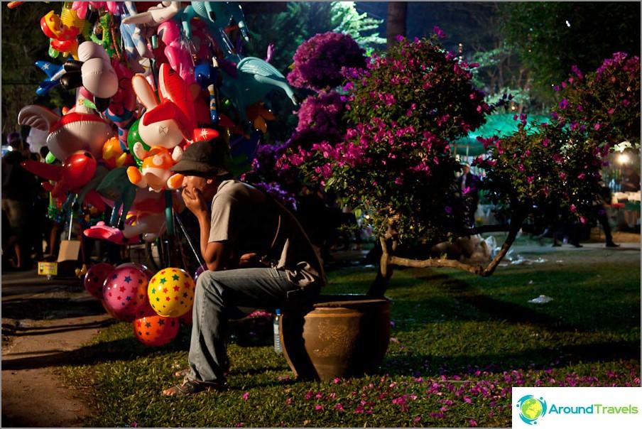 Thaimaan kukkafestivaali puistossa
