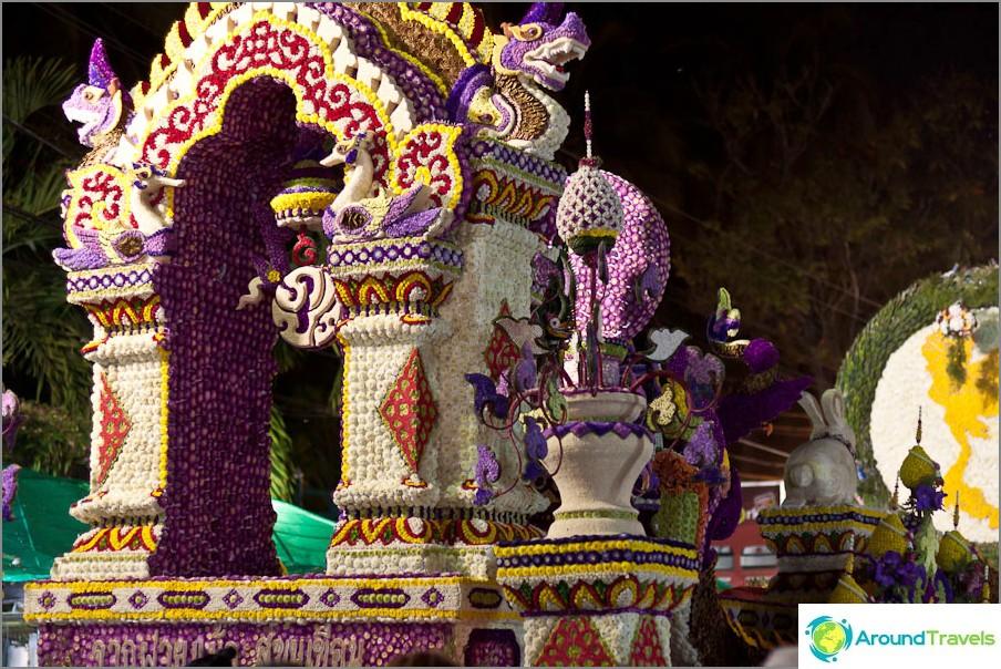 Thaimaan kukkafestivaali, paraativaunut