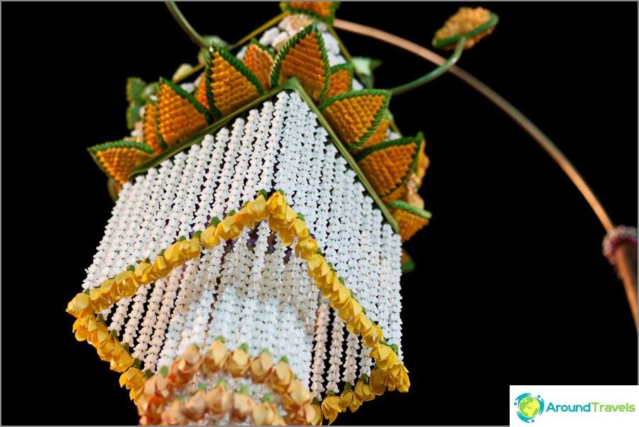 Chiang Mai Kukkafestivaali, kukka lyhty