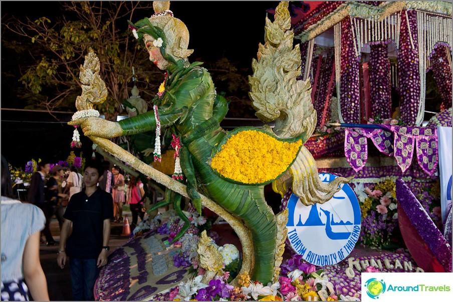 Kukkahahmo Chiang Mai -kukkafestivaaleilla