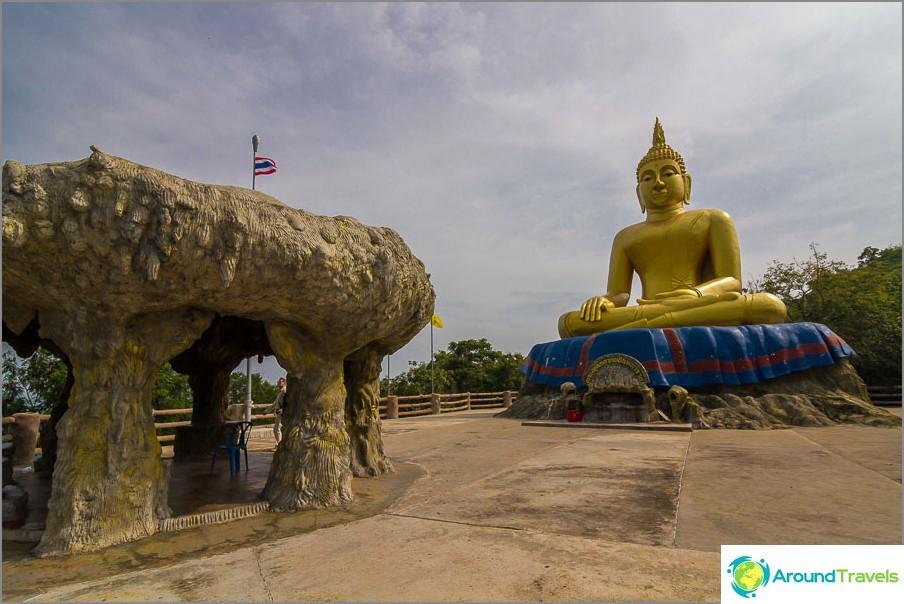 Iso Buddha Khao Taon huipulla