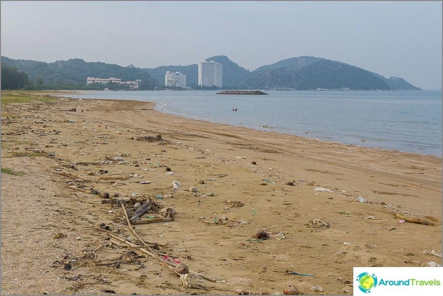 Sandy Pran Kiri Beach - Hieman likainen