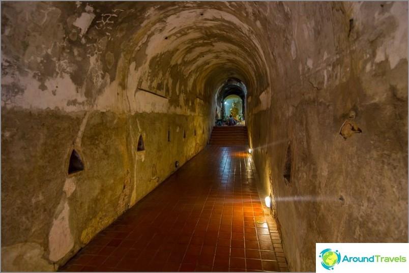 Tunnelitemppeli Wat Umong (10)