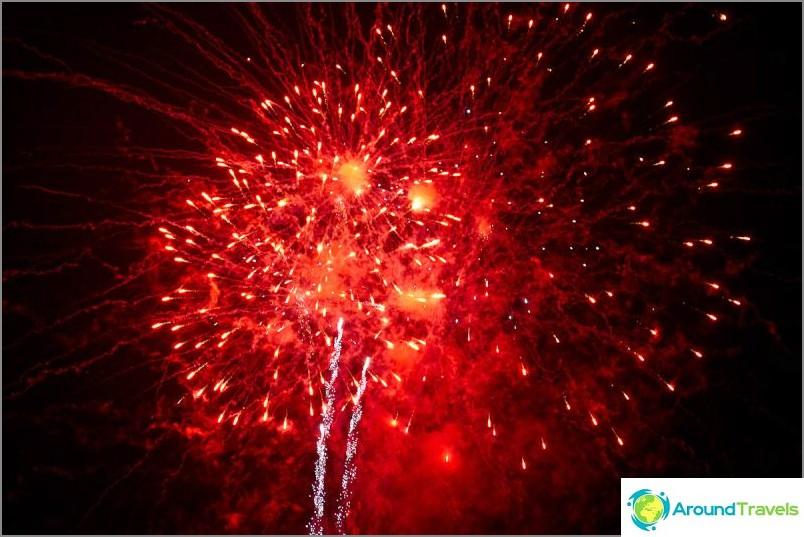 Loy Kratong- ja Yipeng-festivaalit (8)
