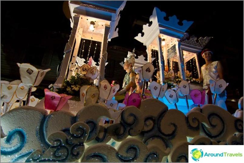 Loy Kratong- ja Yipeng-festivaalit (9)