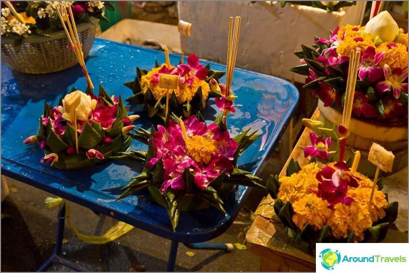 Loy Kratong- ja Yipeng-festivaalit (12)