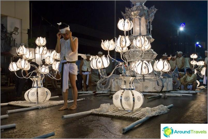 Loy Kratong- ja Yipeng-festivaalit (13)