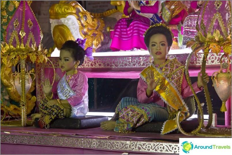 Loy Kratong- ja Yipeng-festivaalit (16)