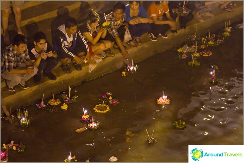 Loy Kratong- ja Yipeng-festivaalit (27)