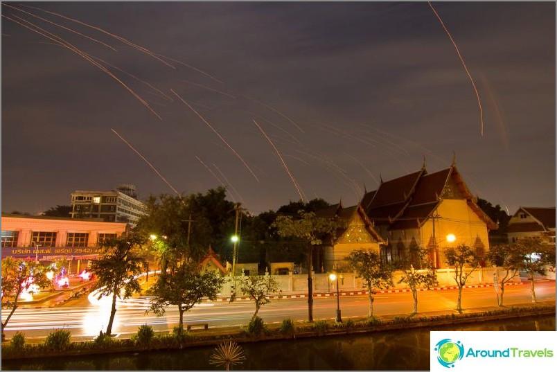 Loy Kratong- ja Yipeng-festivaalit (35)