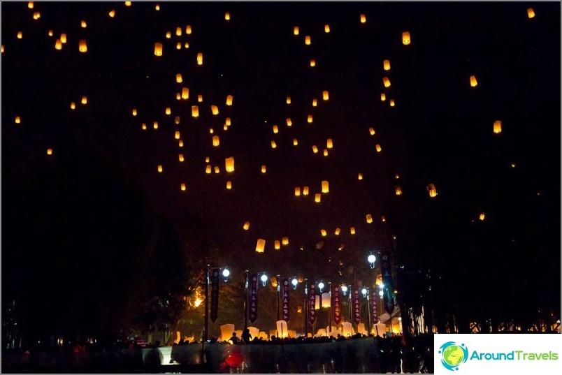 Loy Kratong- ja Yipeng-festivaalit (2)