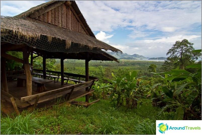 Tarkkailutaso lähellä Klong Nung -vesiputous