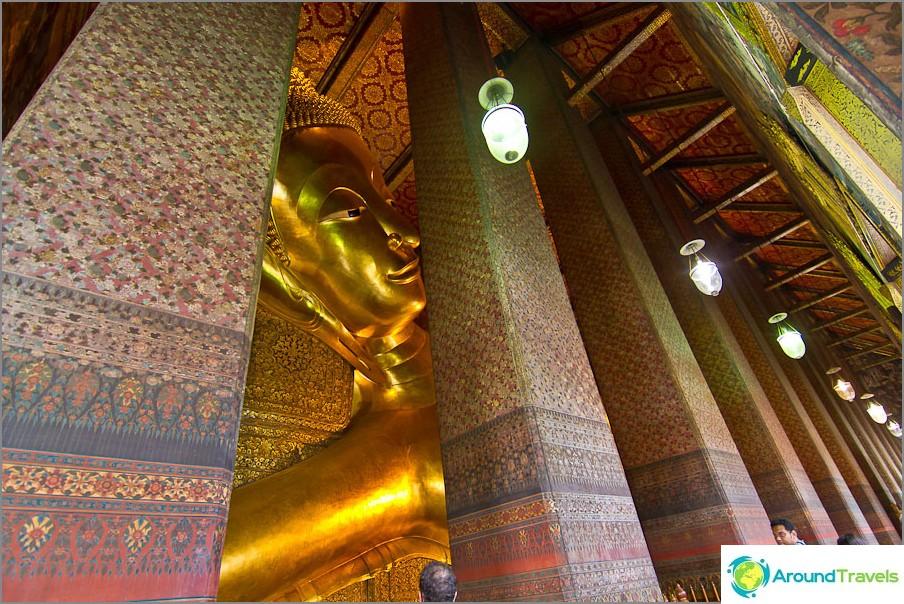 Koko Buddhaa ei voida nähdä, sarakkeet häiritsevät