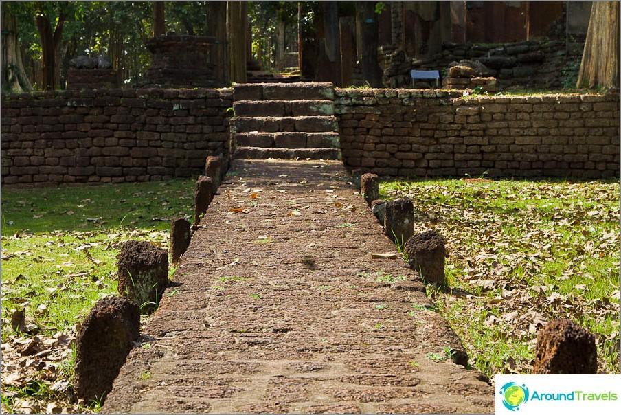 Tie Wat Si Iriyabotin temppeliin