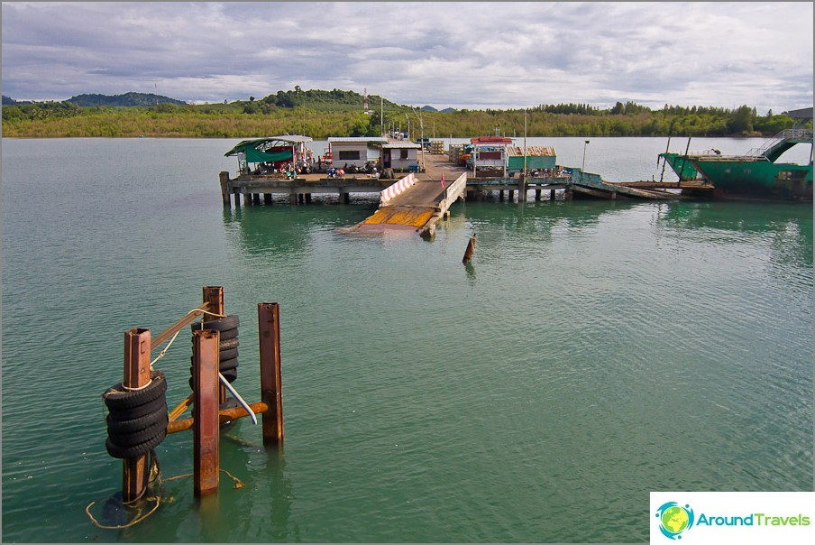 Poinit-lauttalaituri mantereella