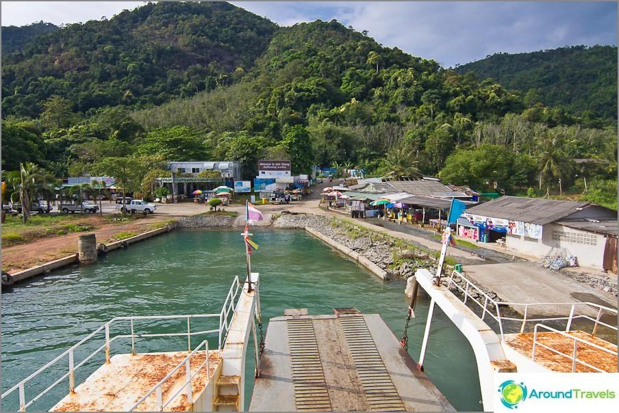 Poinit-lauttalaituri saarella tai Dan Kao -laituri