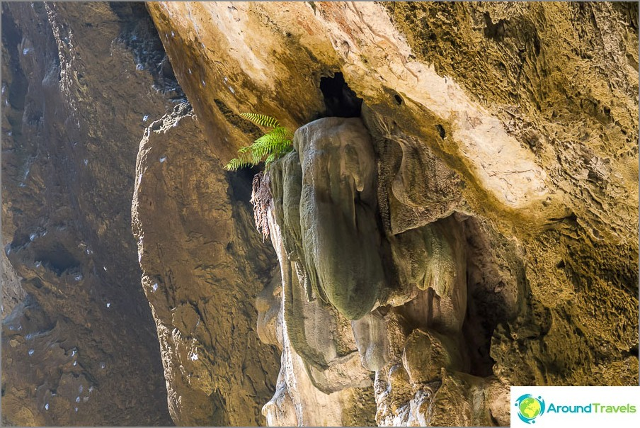 Phraya Nakhon -luolossa on piilaktiitteja
