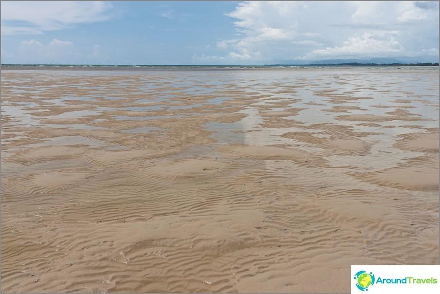 Laskuvesi satoja metrejä