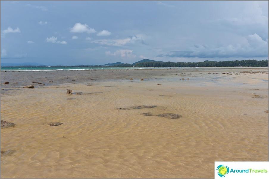 Laskuvesi Nai Yang Beachillä