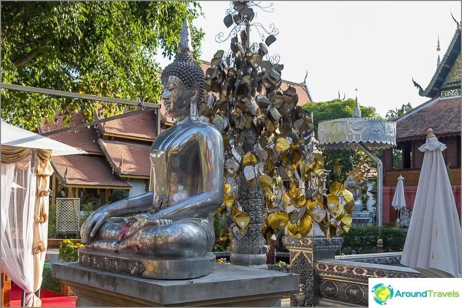 Jopa Buddha ja hän ei ole kultainen