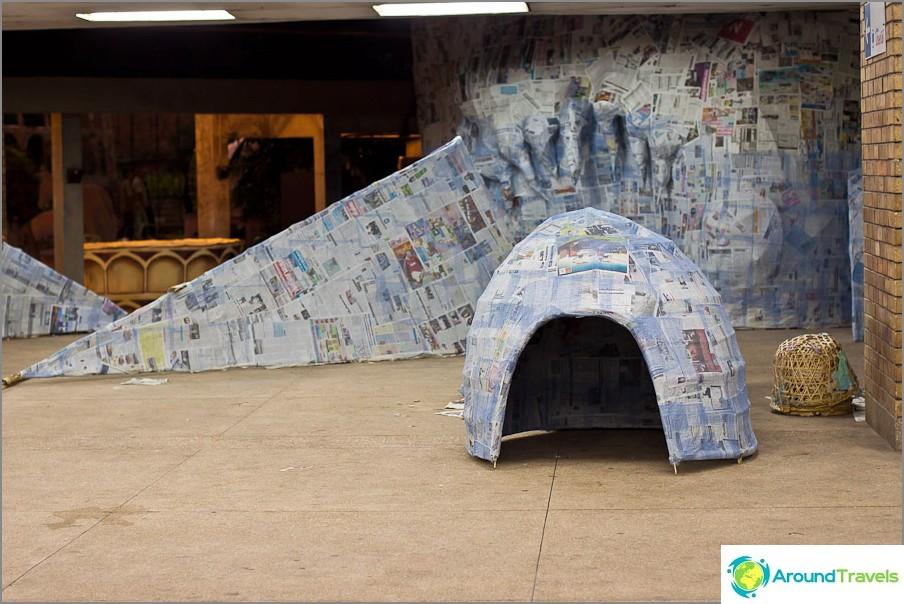 Oudot rakenteet liimattu paperilla
