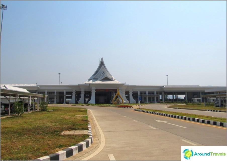 vizaran-chiang-Khong-Laosissa-new-silta-ei-veneen-01