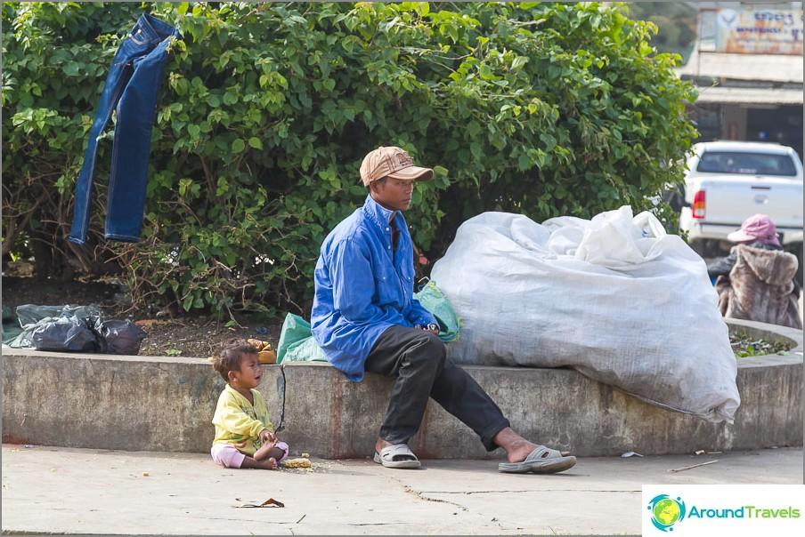Kambodža näyttää olevan jotenkin täysin köyhä