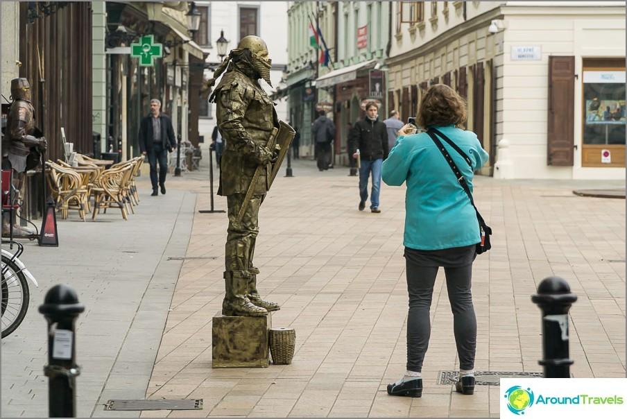 Мим в стария град