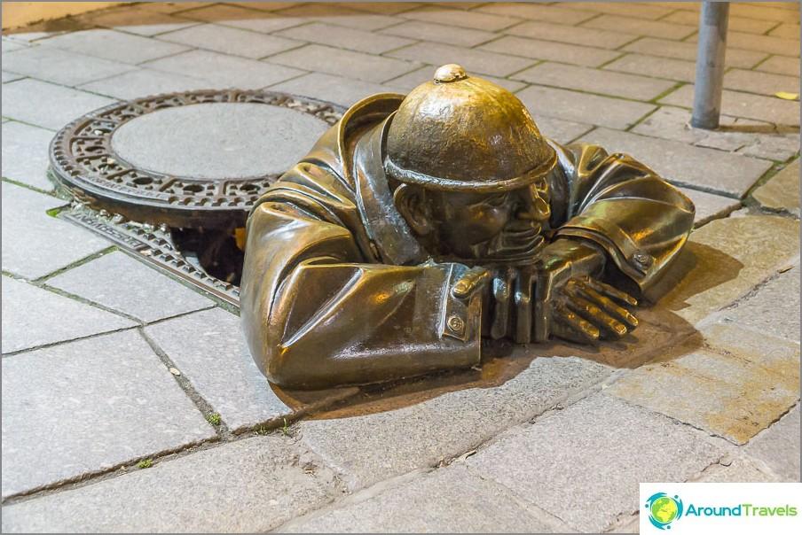 Бронзов чумил в Стария град на Братислава