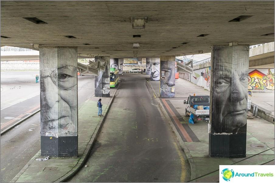Под моста SOR е не по-малко интересно